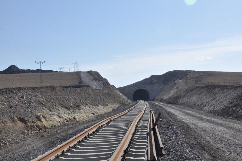 Bakü-Tiflis-Kars demiryolu hattı Martta açılıyor