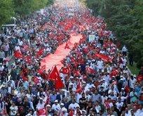 Diyarbakır'da on binler yürüdü