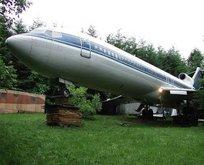 Yolcu uçağını eve çevirdi!