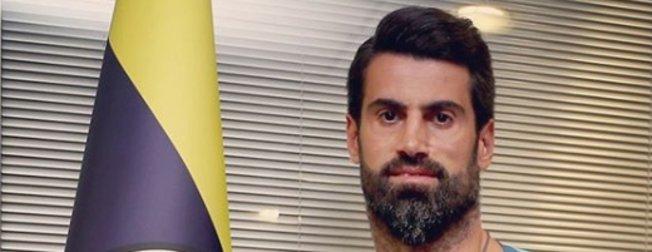 Volkan Demirel'in yeni imajını görenler şaşırdı! İşte Fenerbahçe'de ilk antremanına çıkan Volkan Demirel'in yeni hali...