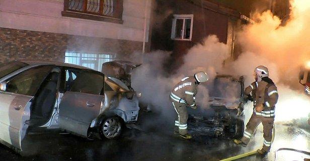 Park halindeki otomobiller alev alev yandı!