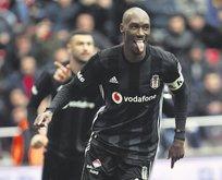 Atiba 1 sezon daha Beşiktaş'ta