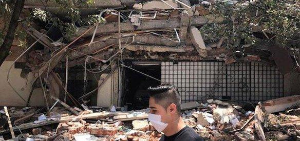 Meksikanın başkenti Meksiko da meydana gelen 7,1 büyüklüğündeki depremde 366 kişi ölürken yıkılan binaların enkazından 52 kişi kurtarıldı.