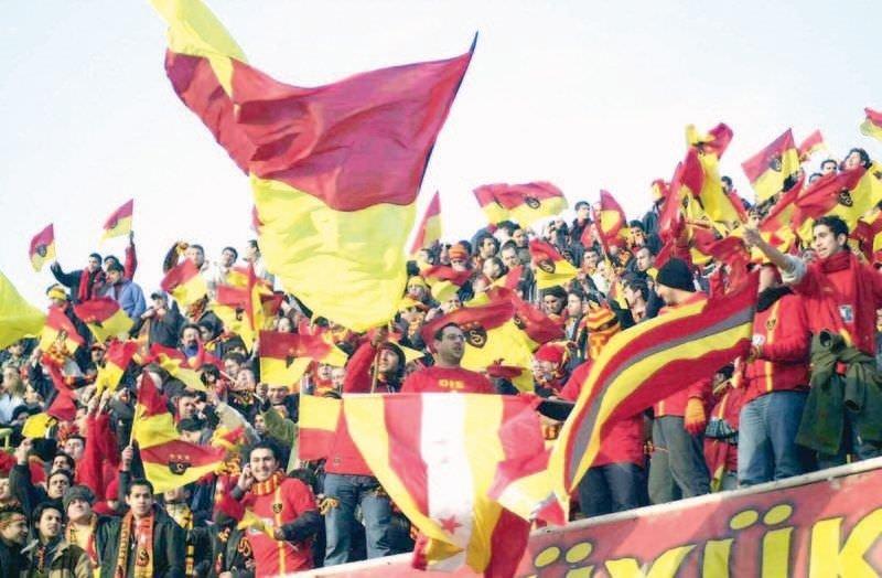 Fenerbahçe ve Galatasaray'ın En İyi 11'leri...