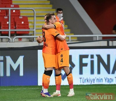 Galatasaray'da 2 yolcu birden! Göztepe maçı sonrası duyuruldu