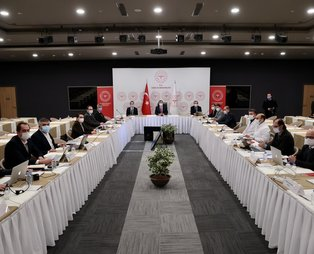 Sağlık Bakanı Fahrettin Koca başkanlığında İstanbul'da salgınla mücadele toplantısı yapıldı