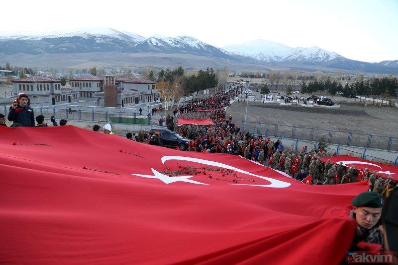 10 bin kişi Aziziye Tabyaları'na yürüdü