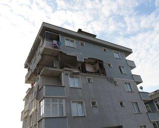 Sancaktepe'de 6 katlı binada patlama! Duvar yıkıldı