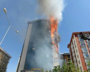 Ataşehirde plazada korkutan yangın!