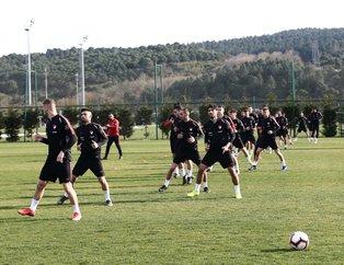 Arnavutluk - Türkiye maçı öncesi kriz! Sen varsan ben yokum!