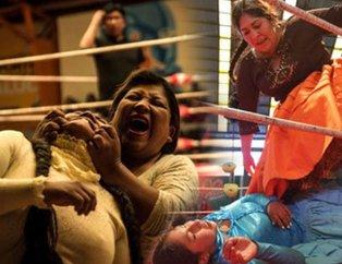 Kadınların ölümüne dövüşü! Saç çekmek, ısırmak, tırmalamak serbest