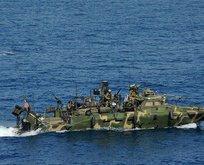 İran'dan ABD savaş gemilerine taciz