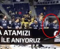 Fener'in Yunan basketçisi Atatürk pankartını tutmadı