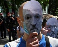 Lukaşenko zorda! Göstericilerden talep etti