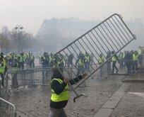 Fransa'da süren 'Sarı Yelekler Eylemi' OHAL'i gündeme getirdi