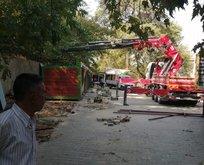 CHP'li Torbalı Belediyesi'nde büyük skandal! Üreticilerin pazarı vinçle yıkıldı