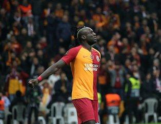 Mbaye Diagne'nin Galatasaray - Benfica maçında sergilediği kötü performans sosyal medyayı salladı!