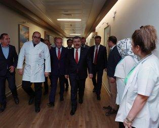 Sağlık Bakanı Fatma Girik'i hastanede ziyaret etti!