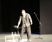 Sermiyan Midyat boş koltuklara stand up yaptı