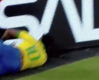 Brezilyalı yıldız Neymar kafasını reklam panosuna çarptı!