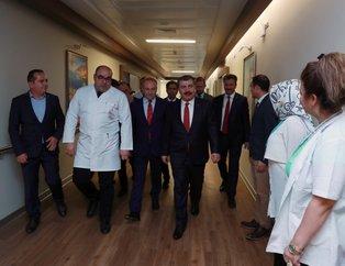 Sağlık Bakanı Fahrettin Koca Fatma Girik'i hastanede ziyaret etti!