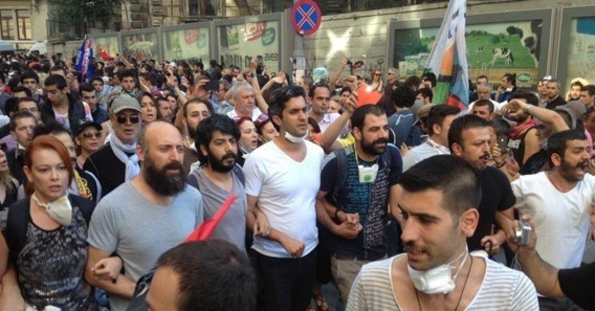 SON DAKİKA: Memet Ali Alabora hakkında Gezi Parkı olayları nedeniyle  yakalama kararı - Takvim