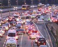 Şehitler Köprsü'nde trafik yoğunluğu