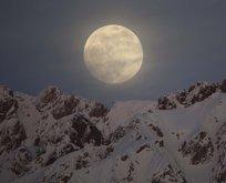 Kanlı Ay tutulması görenleri hayran bıraktı!