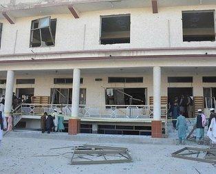 Pakistan'da bombalı saldırı: 4 ölü