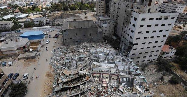 İşgalci İsrail yıkıyor!