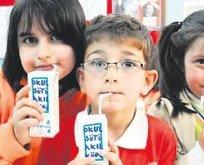 Okullarda süt dağıtımına devam