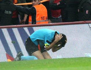 Galatasaray taraftarı hakeme yabancı maddeler attı