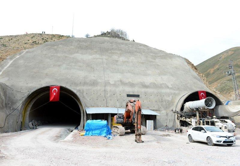 Eğribel Tünelinde ışığa 50 metre