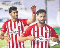 Antalya 3 puanı 3 golle kazandı