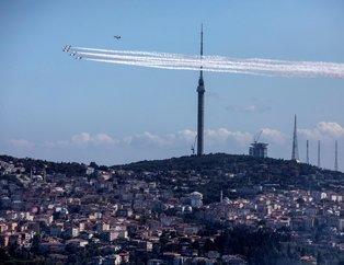 Türk Yıldızlarından İstanbul Boğazında nefes kesen gösteri
