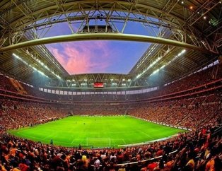 Galatasaray tribününden derbi koreografisi!