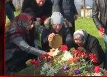 Ceren Özdemir bugün 21 yaşında! Acılı ailenin kabir ziyareti yürekleri dağladı