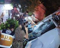 Gaziantep'te feci kaza! Taklalar atarak eve çarptı