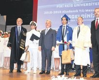 Piri Reis yeni mezunlarını verdi