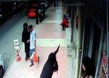 Elazığ'da pompalı saldırı anı kamerada