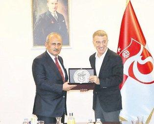 Bakan Turhan kulübü ziyaret etti