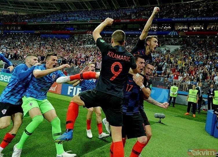 Hırvatistan-İngiltere maçına Cüneyt Çakır damga vurdu