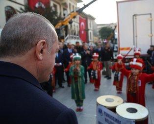 Minik mehteranlardan Başkan Erdoğan'a konser