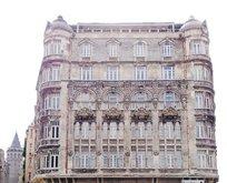 Beyoğlu'nun sembol yapısı Frej Apartmanı