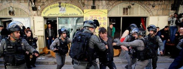 Feci görüntüler! İsrail askerleri saldırıyor...