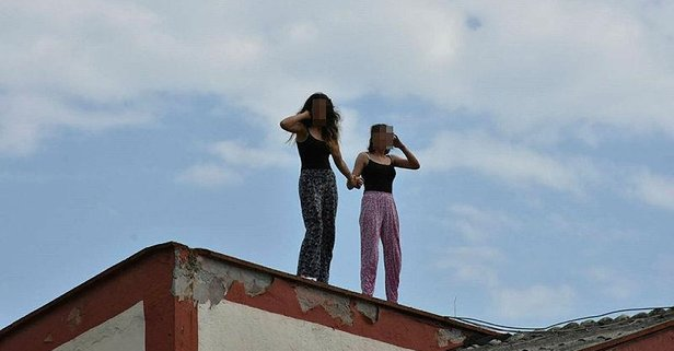 Kızlar el ele intihara kalkıştı!