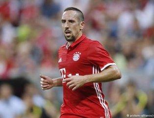 Galatasarayın eski yıldızı Ribery BeIN SPORTS yorumcusunu dövdü