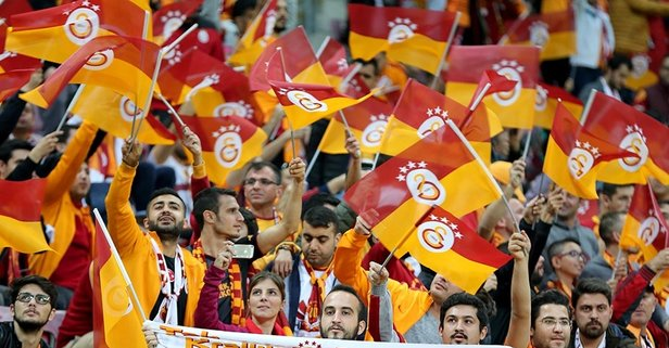 Galatasaray'ın eski yıldızı futbolu bıraktı