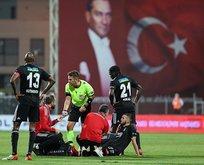 Altay-Beşiktaş maçında şok sakatlık!