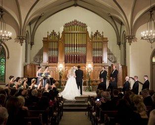 Kilisede nikah sahnelerini izlerken ne hissediyorsunuz?